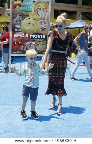 LOS ANGELES - JUL 23:  Jack Pratt, Anna Faris at