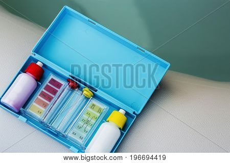 Kit Of Ph Chlorine And Bromide Test For Water Quality Test Of Jacuzzi Or Pool