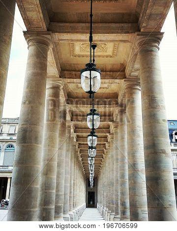 paris franta center simetric view arcade artistic