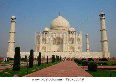 Visitors in famous monument, Taj Mahal, India