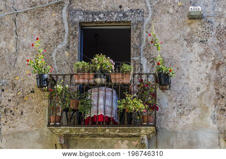 The years that erice has left its imprint in the different architectural styles that the city shows