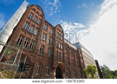 Das Luisen-Gymnasium, eine Schule im Stadtzentrum von Düsseldorf