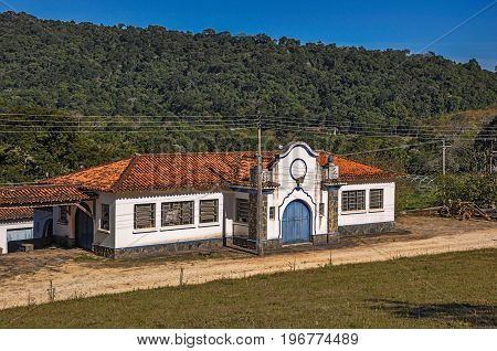 View of typical architecture house of the region, near Monte Alegre do Sul. In the countryside of São Paulo State, a region rich in agricultural and livestock products, southwestern Brazil