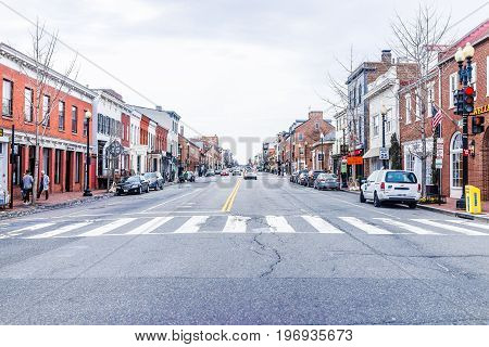 Washington Dc, Usa - March 20, 2017: Street And Shops In Georgetown Neighborhood With Traffic