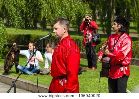 BERLIN - MAY 09 2015: Performances on the Alley in Treptow Park.