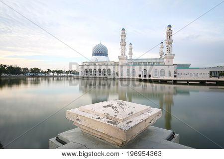 Masjid Bandaraya Kota KInabalu, Sabah Borneo Malaysia