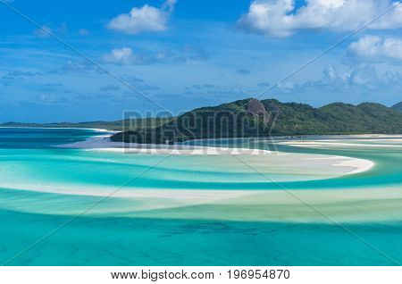 Spectacular View Of Picturesque Whitsunday Island Beach And Lagoon