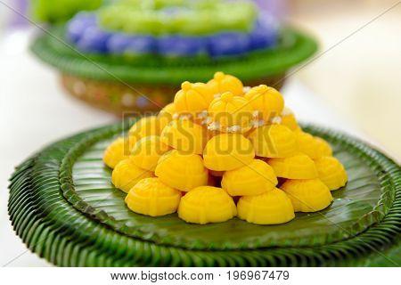 Thai Dessert Jah Mong Kut - Egg Yolks Dumpling In Wheat Flour Crown