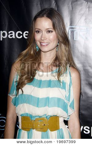 SAN DIEGO - JUL 23:  Summer Glau at  the Tron' MySpace Party during the 2010 Comic-Con  at Flynn's Arcade on July23, 2010 in San Diego, CA.