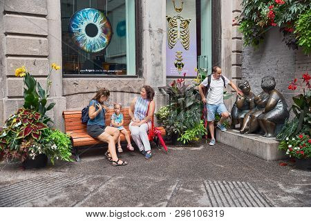 Montreal, Canada - September 3, 2018: Les Chuchoteuses -the Gossipers, On Rue Saint-paul, Montreal,