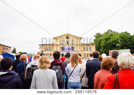 Slavyansk-on-kuban, Russia - May 9, 2018: Festive Parade On May 9 In Slavyansk-on-kuban, In Honor Of