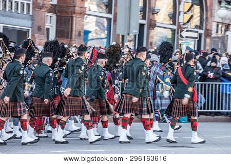 Ottawa, Canada - November 11, 2018: Ceremonial Guard Of The Governor General Foot Guards Of Canada,