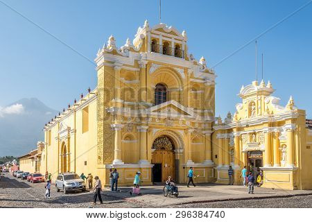 Antigua,guatemala - March 4,2019 - View At The San Pedro Apostol Church In Antigua Guatemala. Antigu