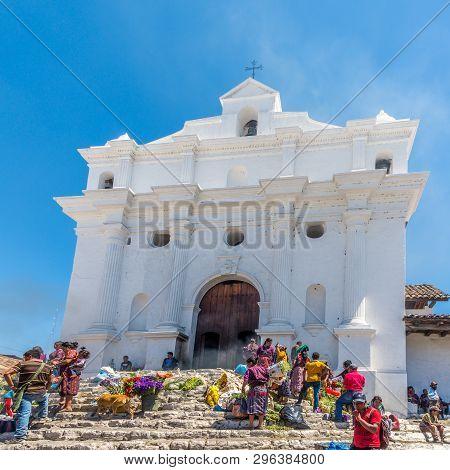 Chichicastenango,guatemala - March 3,2019 - View At The Church Of Sabto Tomas In Chichicastenango. C