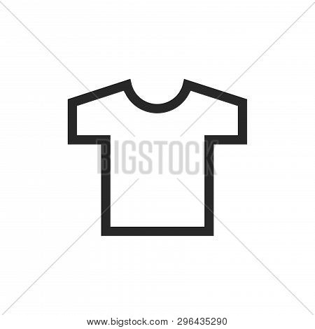 T-shirt Icon Isolated On White Background. T-shirt Icon In Trendy Design Style. T-shirt Vector Icon