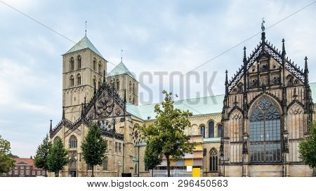 An image of the Saint Paul Dom, Minster of Muenster Germany