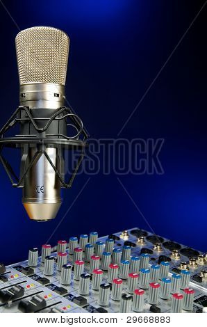 Mixer And  Vocal Mic
