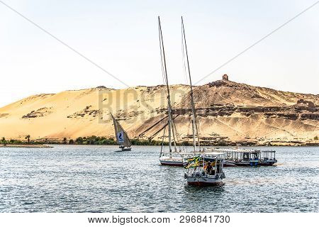20.05.18 Aswan Egypt Sailing Boat On The Nile River West Bank