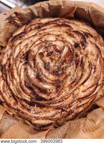 Charlotte Apple Pie Tasty Vegetarian Craft Sweet Fruit Food Closeup Photo