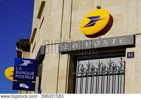 Bordeaux , Aquitaine / France - 11 11 2020 : La Poste Sign And Banque Postale Text Logo Front Of Off