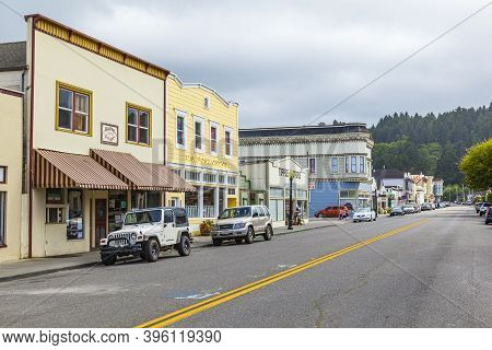 Ferndale, Usa - June 18, 2012: Victorian Storefronts In Ferndale, Usa. The City Shows Dozens Of Well