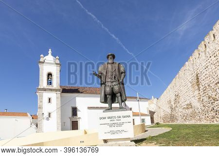 Sines, Portugal - March 9, 2020: Old Scenic Fort Wall With Canons To Defend The Castle In Sines, Por