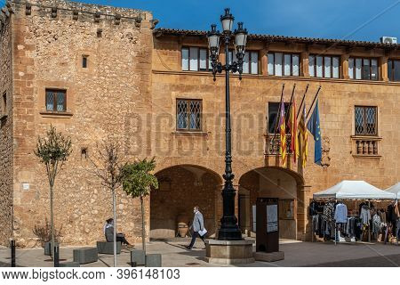 Campos, Balearic Islands/spain; November 2020: Weekly Street Market Of Clothing And Apparel In The T