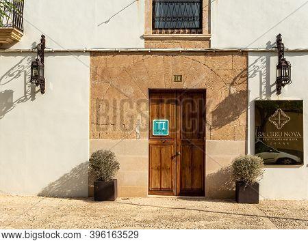 Campos, Balearic Islands/spain; November 2020: Sa Creu Nova Hotel's Facade. Rustic And Urban Hotel L