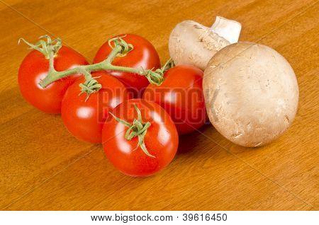 Crimini Mushrooms and Campari Tomatoes