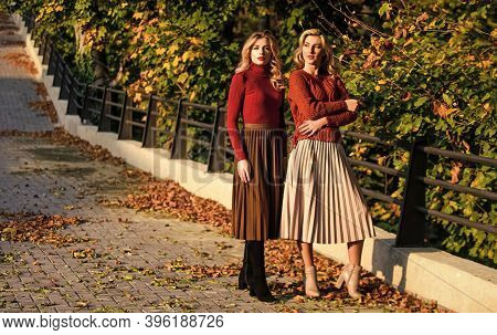 Fashionable Clothes. Femininity And Tenderness. Friends Girls. Fall Fashion. Pleated Skirt Fashion T