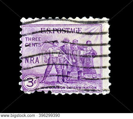 United States Of America - Circa 1933 : Cancelled Postage Stamp Printed By United States Of America,