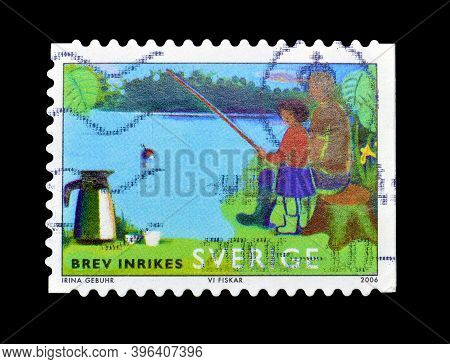 Sweden - Circa 2006 : Cancelled Postage Stamp Printed By Sweden, That Shows Fishing, Circa 2006.