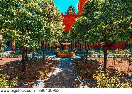 View Of Inner Patio - Alcubilla Countryard (patio De La Alcubill
