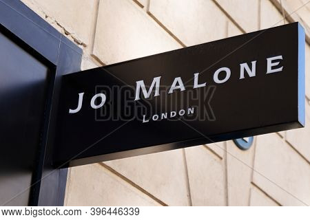Bordeaux , Aquitaine / France - 11 21 2020 : Jo Malone London Sign Text And Logo Front Of Boutique U