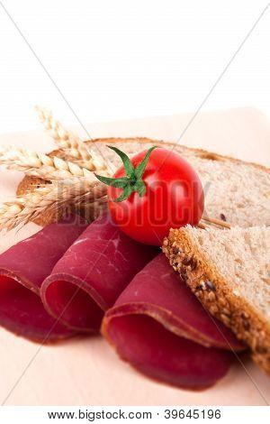 Bread with prosciutto