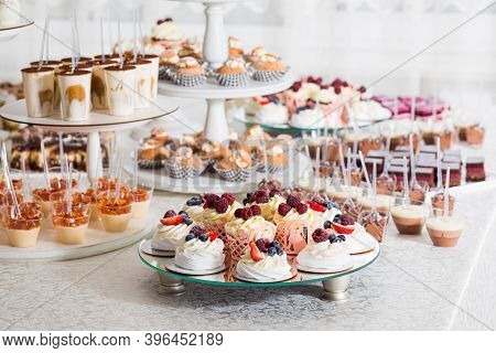 The Amazing Dessert Table For A Luxury Party