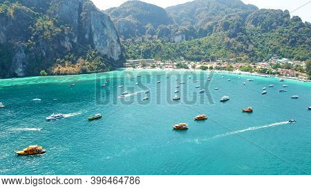 Turquoise Clear Water. Yachts, Boats Floating. Water Gradient From Light To Dark Blue. Phi Phi Don I