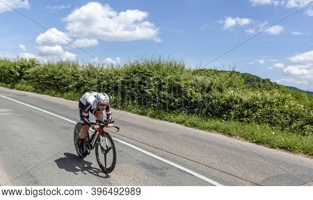 Bourgoin-jallieu, France - 07, May, 2017: The German Cyclist Johannes Frohlinger Of Team Sunweb Ridi