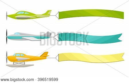 Flying Airplanes With Fluttering Empty Banner Vector Set