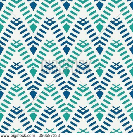 Ethnic Seamless Pattern. Freehand Horizontal Zigzag Chevron Stripes Print. Boho Chic, Indigenous, Tr