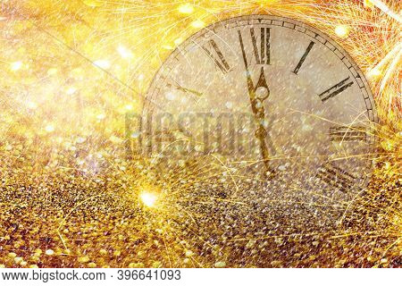 Fireworks New Year Clock.countdown New Year's Clock.clock That Marks A Few Minutes To The New Year W