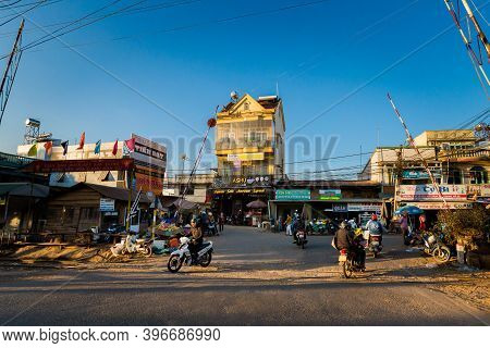 Vietnamese Mountains Town Close To Dalat