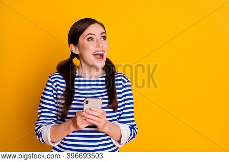 Close-up Portrait Of Nice Attractive Pretty Lovely Amazed Cheerful Cheery Lucky Brown-haired Girl Us