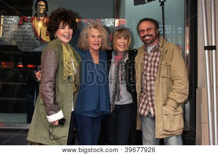 LOS ANGELES - DEC 3:  Carole Bayer Sager, Carole King, Cynthia Weil and Barry Mann at the Hollywood Walk of Fame Star Ceremony for Carole King at Hollywood Blvd on December 3, 2012 in Los Angeles, CA