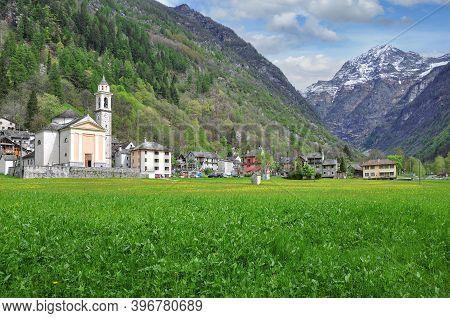 Village Of Sonogno In Valle Verzasca,ticino Canton,switzerland