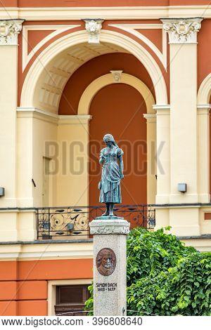 Klaipeda, Lithuania - July 10, 2020: Memorial Of Poet Simon Dach And Taravos Anike (annchen Von Thar