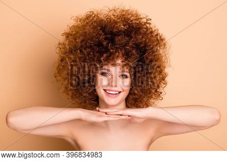 Close Up Photo Beautiful Foxy She Her Wear No Clothes Nude Lady Amazing Ideal Body Hair Skin Conditi