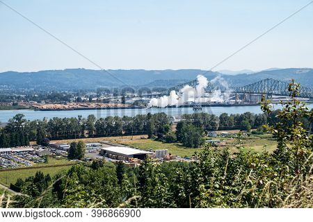 Longview, Washington - July 31, 2020: Lookout Vista Point Of The Columbia River And The Lewis And Cl