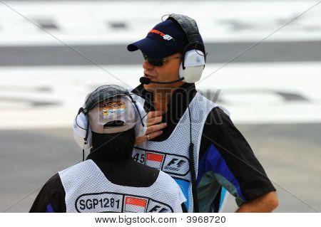 Formula 1 Singapore Grand Prix 2008 Marshals