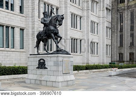 Aberdeen, Scotland - August 11, 2019: Robert The Bruce, King Of Scots Statue In The Centre Of Aberde